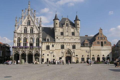 Mechelen Grote Markt Rathaus