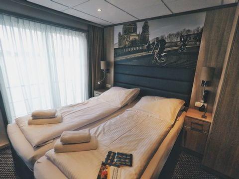 Upper deck suite, MS DE WILLEMSTAD