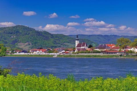 Malerische Flusslandschaft in der Wachau