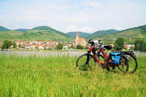 Rad & Schiff an der Donau