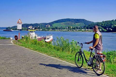 Rhein auf dem Weg nach Andernach