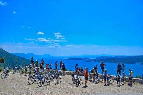 Den Ausblick auf die kroatische Küstenlandschaft genießen