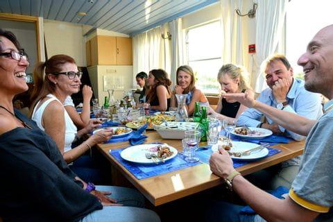Gemeinsames Abendessen, MS GANDALF