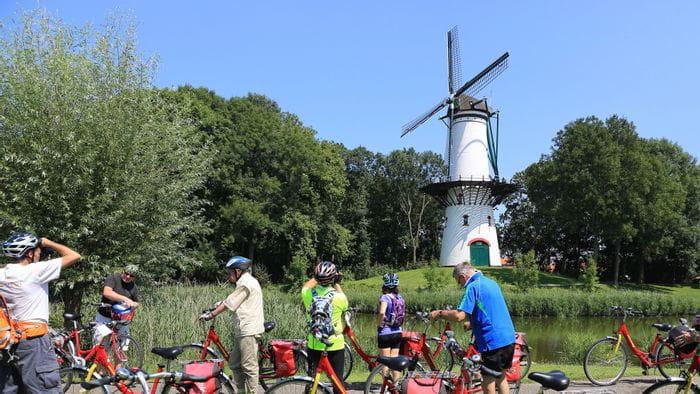 Rad und Schiff in Holland